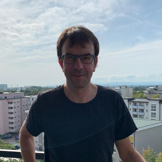 https://urbanes-lernen.obnf.de/wp-content/uploads/2019/09/PatrickBlumschein.jpg
